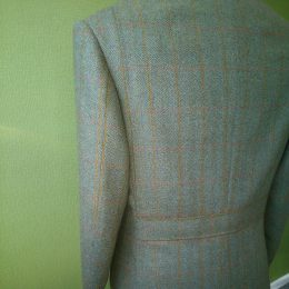Porter&Harding Tweed Shooting Jkt - Back view with waist belt and side action pleats.